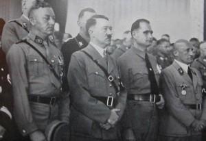 Јулиус Штрајхер, последен десно на митинг во Нирнберг 1937 година. Фото: German Propaganda Archive